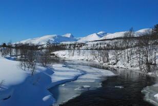snøsmelting langs elv